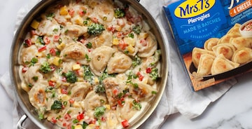 Mini Pierogy Mac 'n Cheese Skillet